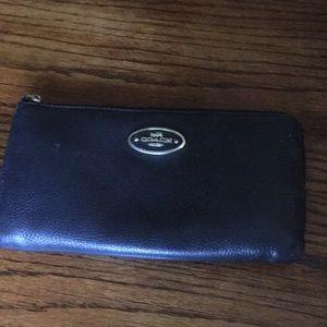 Coach vintage zipper wallet